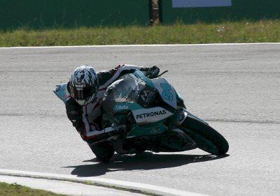De volta ao Moto 1000 GP, o francês Matthieu Lussiana dominou o primeiro dia da categoria GP 1000
