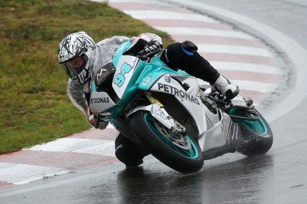 Matthieu Lussiana venceu de ponta a ponta na abertura do Moto 1000 GP 2014 - foto da Equipe Sanderson