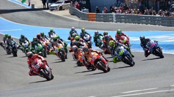 Largada da MotoGP no Grande Prêmio da Espanha