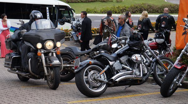 Motos originais - customizadas - de todo tipo desde que seja Harley