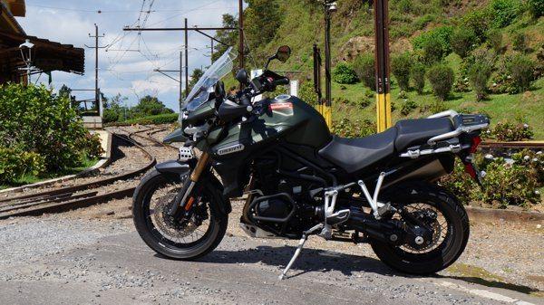 Triumph Explorer XC - Trem bão com 1200 cc