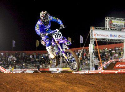 Carlos Campano é o líder da principal categoria do Arena Cross