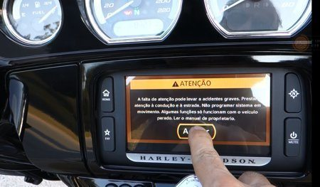 Infotainment - Sistema de navegação, telefonia e áudio