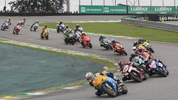 Largada: disputa pela ponta começou logo na primeira curva e prova só se definiu na última volta