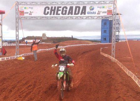 Lucas Basso vence nas duas principais categorias em Anápolis (GO)