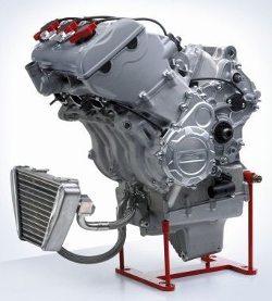 Motor de 798 cm³ três cilindros em linha
