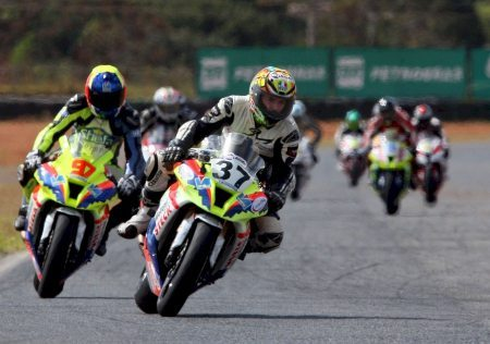 Ian Testa vence a GP Light de Brasília diante de sua torcida