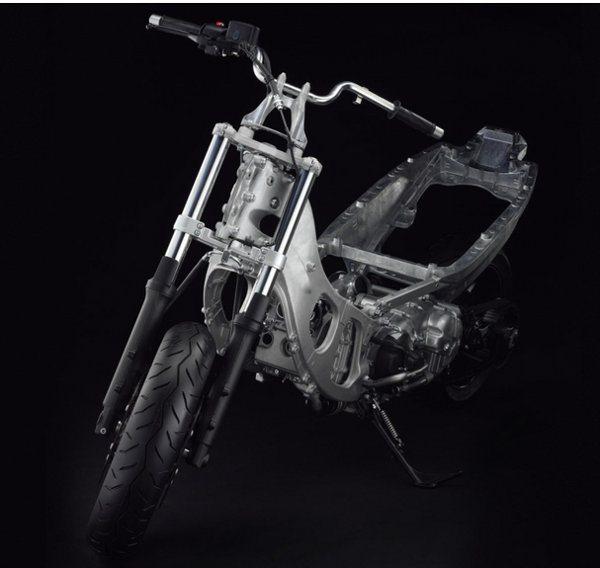 Chassi do T-Max é feito em alumínio fundido, como nas melhores motos esportivas