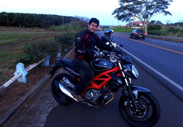 Marlon e a Suzuki Gladius 650