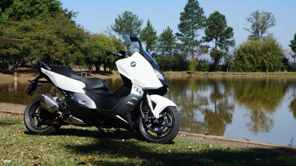 BMW C 600 Sport - Praticidade, conveniência e beleza para um veículo urbano, isso é fundamental