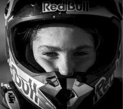 Enzo Lopes está colecionando vitórias na categoria Júnior - foto do arquivo pessoal do piloto