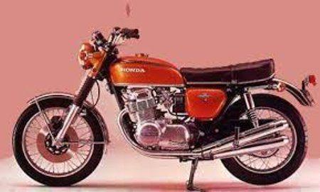 CB750K - A primeira moto de série a ser equipada com freio a disco