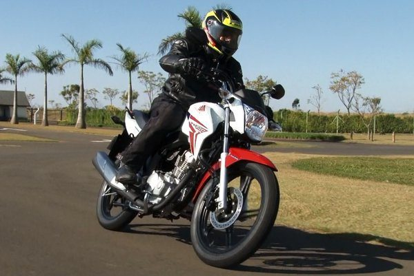 Honda CG Titan - CBS Representa uma proposta da Honda em melhorar a segurança nas motos populares
