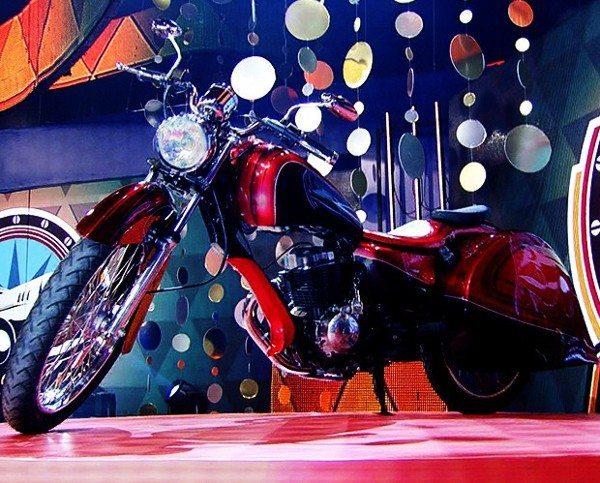 Pela primeira vez o programa Lata Velha reforma uma motocicleta - Foto: Caldeirão do Huck/TV Globo