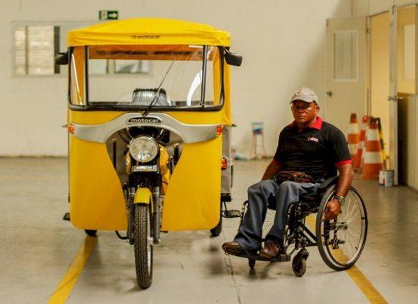 O Zé vai testar o primeiro tricíclo da Motocar destinado a portadores de necessidades especiais