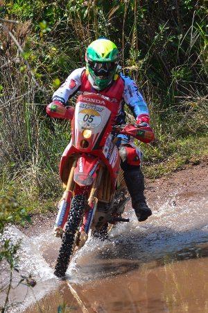 Jean Azevedo é segundo na etapa e continua como o melhor brasileiro na competição - crédito: DFotos