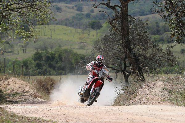 Paulo Gonçalves corre em defesa do título do Rally dos Sertões e vence a 2ª etapa
