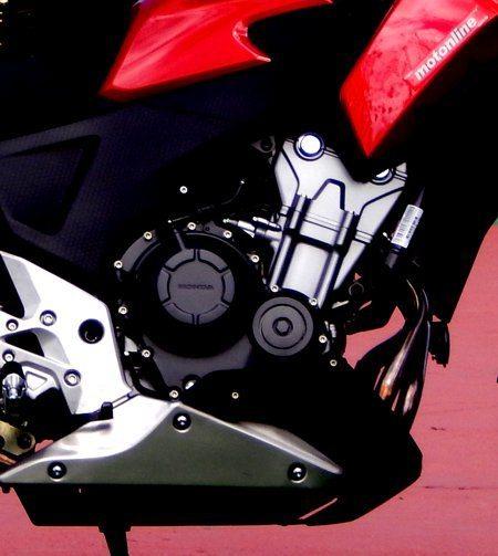 Motor extremamente equilibrado, não vibra e entrega potência de forma previsível e progressiva