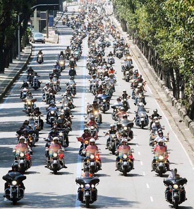 Desfile de motos é um dos momentos mais esperados do evento