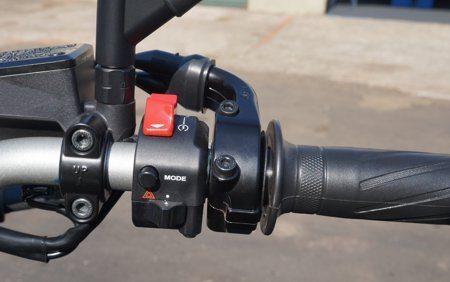 """A mudança do comportamento da moto está a um toque do botão """"mode"""""""