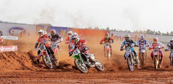 Disputas de arrepiar no Brasileiro de Motocross em Campo Grande