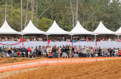 Público compareceu em grande número à 6ª etapa do Brasileiro de Motocross