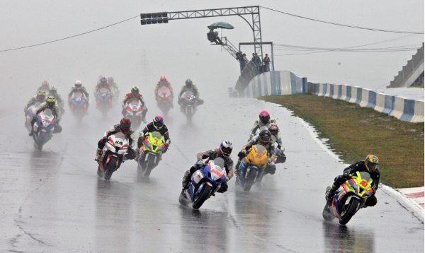 Chuva castiga o Moto 1000 GP em Cascavel
