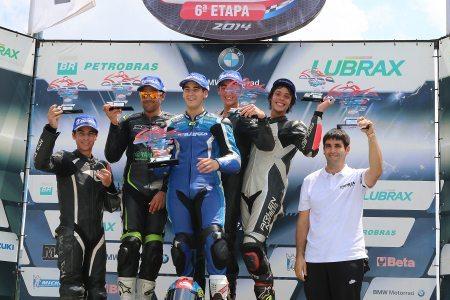Juan Solorza comemora sua segunda vitória consecutiva na GP 600