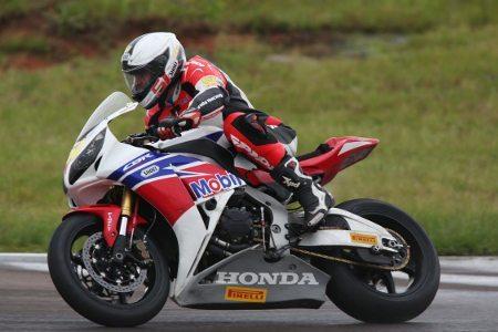 José Luiz Cachorrão completou a dobradinha da Honda