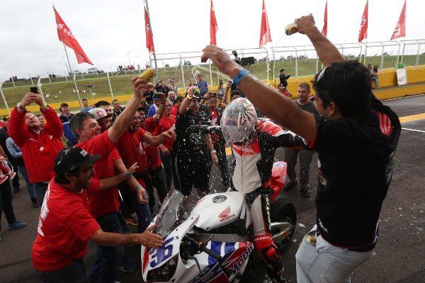 Maico Teixeira caminha firme para o título do SuperBike Series Brasil 2014