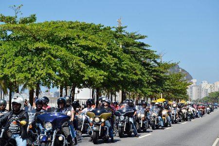 Em 2012, desfile no Rio de Janeiro reuniu milhares de motocicletas