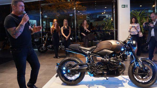 A customização de motos é uma tendência que ganhou força no Brasil. Para Ricardo Medrano, proprietário do Johnnie Wash