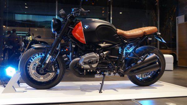 BMW R Nine T Vermelha e preta, o modelo de entrada