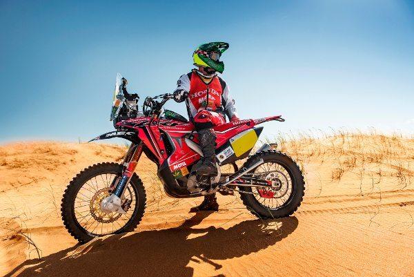 Jean Azevedo, da Honda South America Rally Team, é o único representante do Brasil nas motos