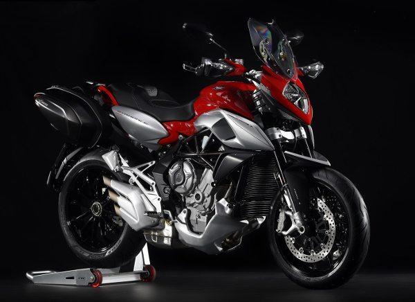 De olho nos motociclistas aventureiros, a MV Agusta apresenta a Stradale 800, com perfil para proporcionar conforto em viagens de longa distância