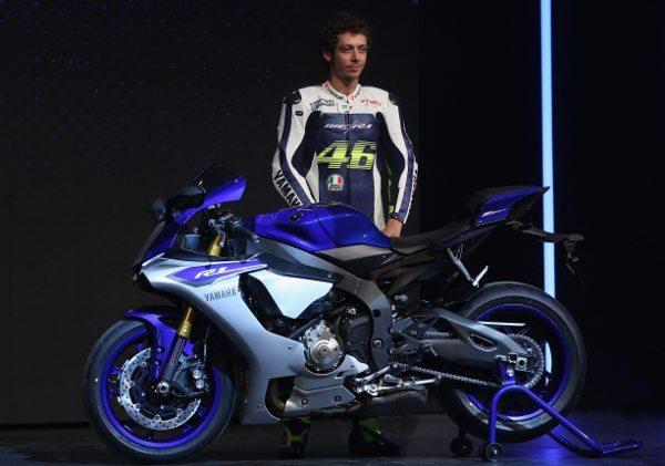 Ninguém melhor que Valentino Rossi para apresentar a nova Yamaha R1