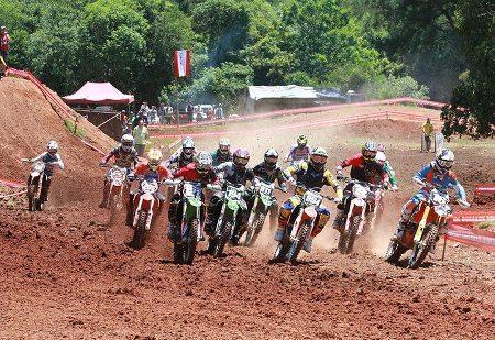 Sucesso total da 6ª etapa do Gaúcho de Motocross 2014