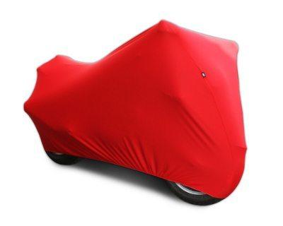 Uma boa capa é fundamental para deixar a moto guardada por períodos mais longos de inatividade
