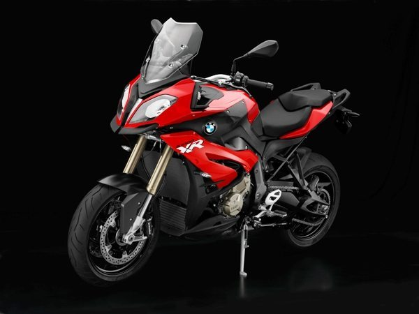 Classe de motos que cresce em todo o mundo, a BMW S 1000 XR entra na classe sport-touring: conforto, desempenho e esportividade