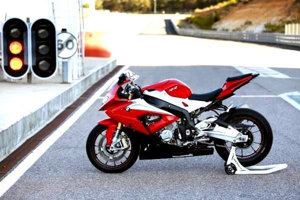 O novo design traz uma linguagem mais dinâmica às linhas da moto