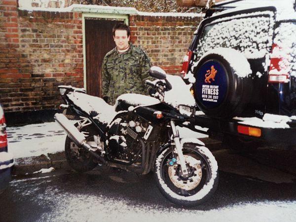Na experiência como motoboy em Londres, motos bacanas e clima ruim- Arquivo pessoal