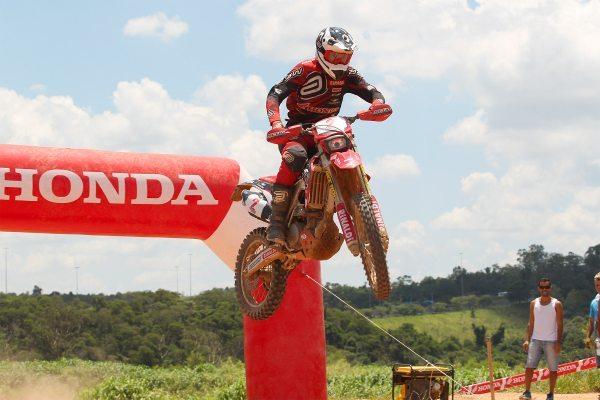 Rômulo Bottrel, vencedor da categoria Elite na primeira etapa da Copa EFX Brasil - Foto de Maurício Arruda