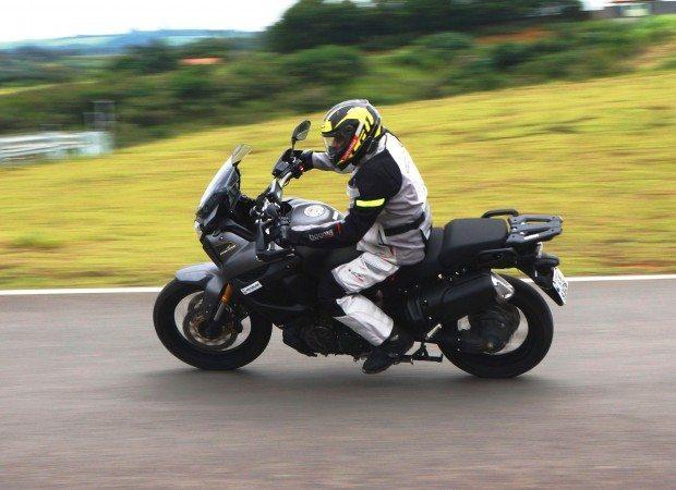 Yamaha XTZ1200 Z DX Super Ténéré, mais potência, eletrônica e controle com toda tecnologia que a marca oferece