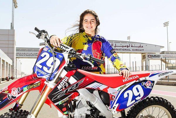 Stefany Serrão fez duas excelentes provas em sua estreia no Mundial de Motocross - Foto de Idário Café