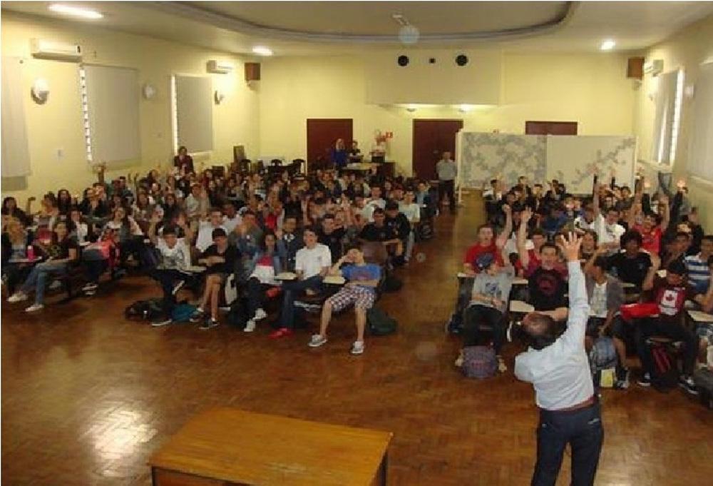 Palestra realizada pela Abraciclo para estudantes de nível técnico, em 2014 - divulgação