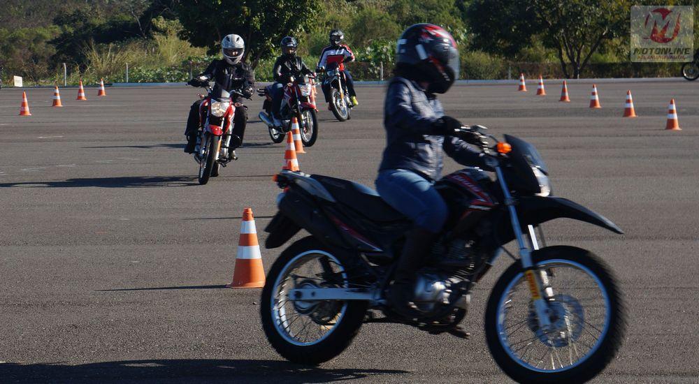 Atividade de treinamento no CETH em Indaituba (SP): nunca é demais reciclar conhecimentos, ainda mais os responsáveis por instruir os novos motociclistas