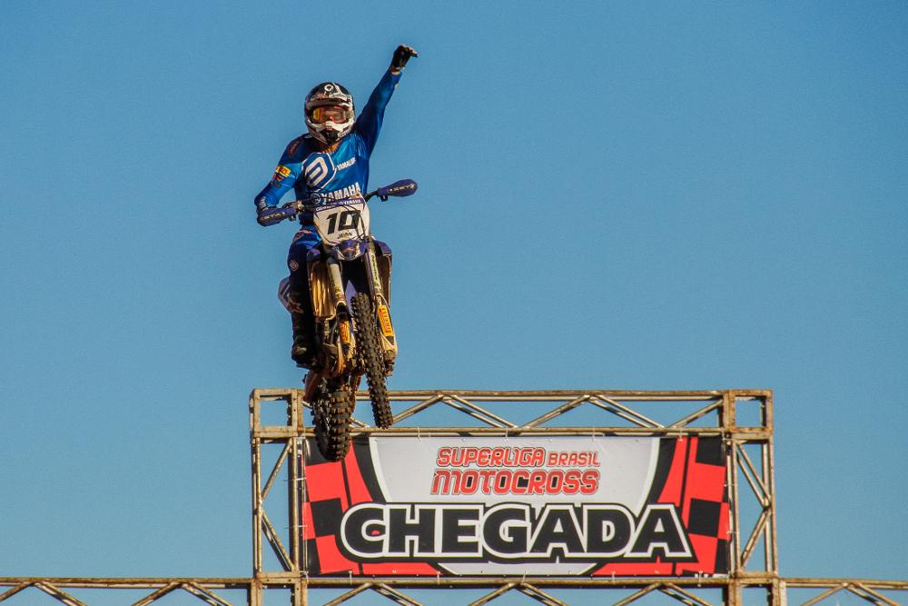 Jean Ramos leva a melhor na Superliga Brasil de Motocross em Bragança Paulista - foto: Mau Haas