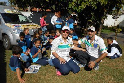 Can-Am patrocina projeto Ideia Fixa, que realiza ações sociais paralelas aos principais ralis do país  - Divulgação