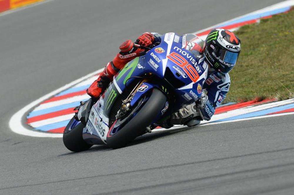 Lorenzo agora tem o mesmo número de pontos de Rossi mas lidera por ter maior número de vitórias na temporada