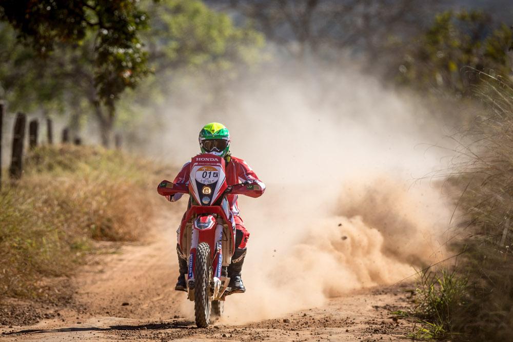 Jean Azevedo confirma o favoritismo e vence a primeira etapa - foto: Marcelo Machado